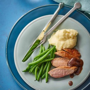 Duck_breasts_with_orange_ginger_sauce_mashed_potatoes_and_green_beans_portrait-hpr-1